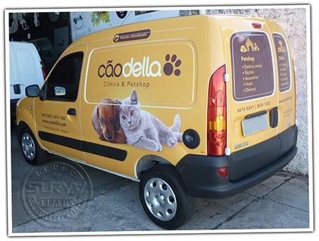 Реклама на транспорте и брендирование автомобилей зоокомпании