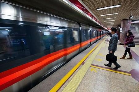 Особенности социальной рекламы в Пекинском метро