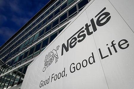 Nestle заявила о сильном росте продаж корма для животных в России в 2017 году